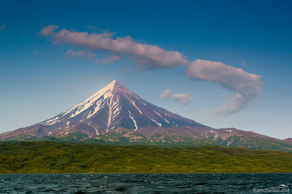 Kronotskoye lake in Kamchatka